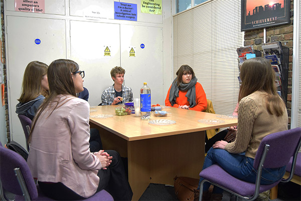 Alumna comes in to speak with Oxbridge hopefuls
